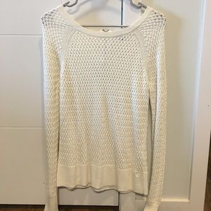 American Eagle white long sleeve sweater